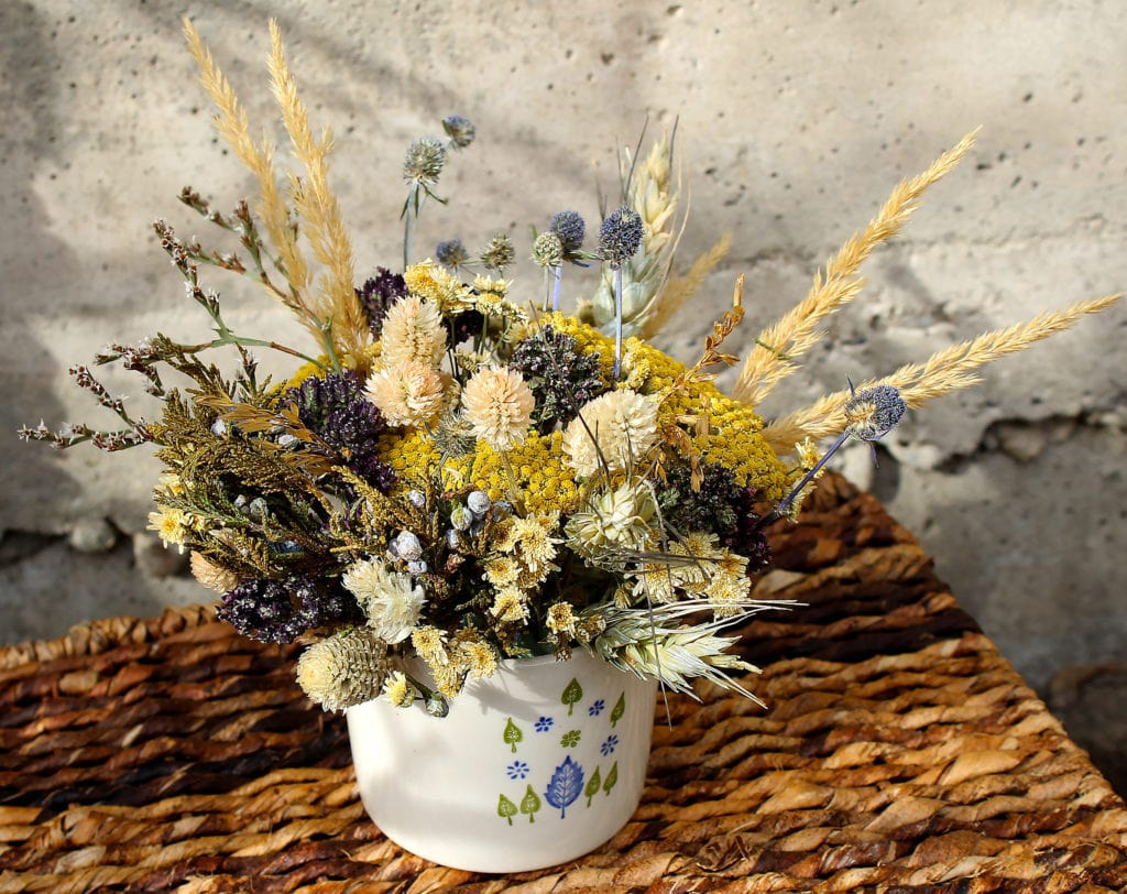 dried fall bouquet in vase