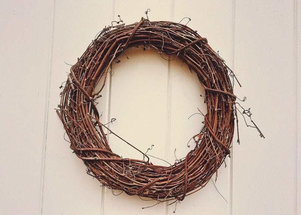 DIY Spring Wreath Frame