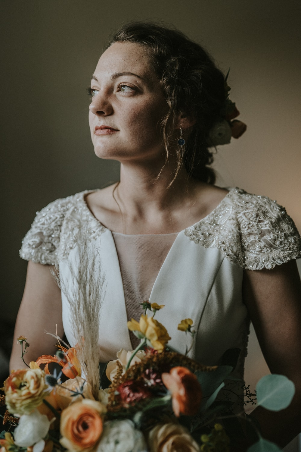 bride holding bouquet by Missoula florist
