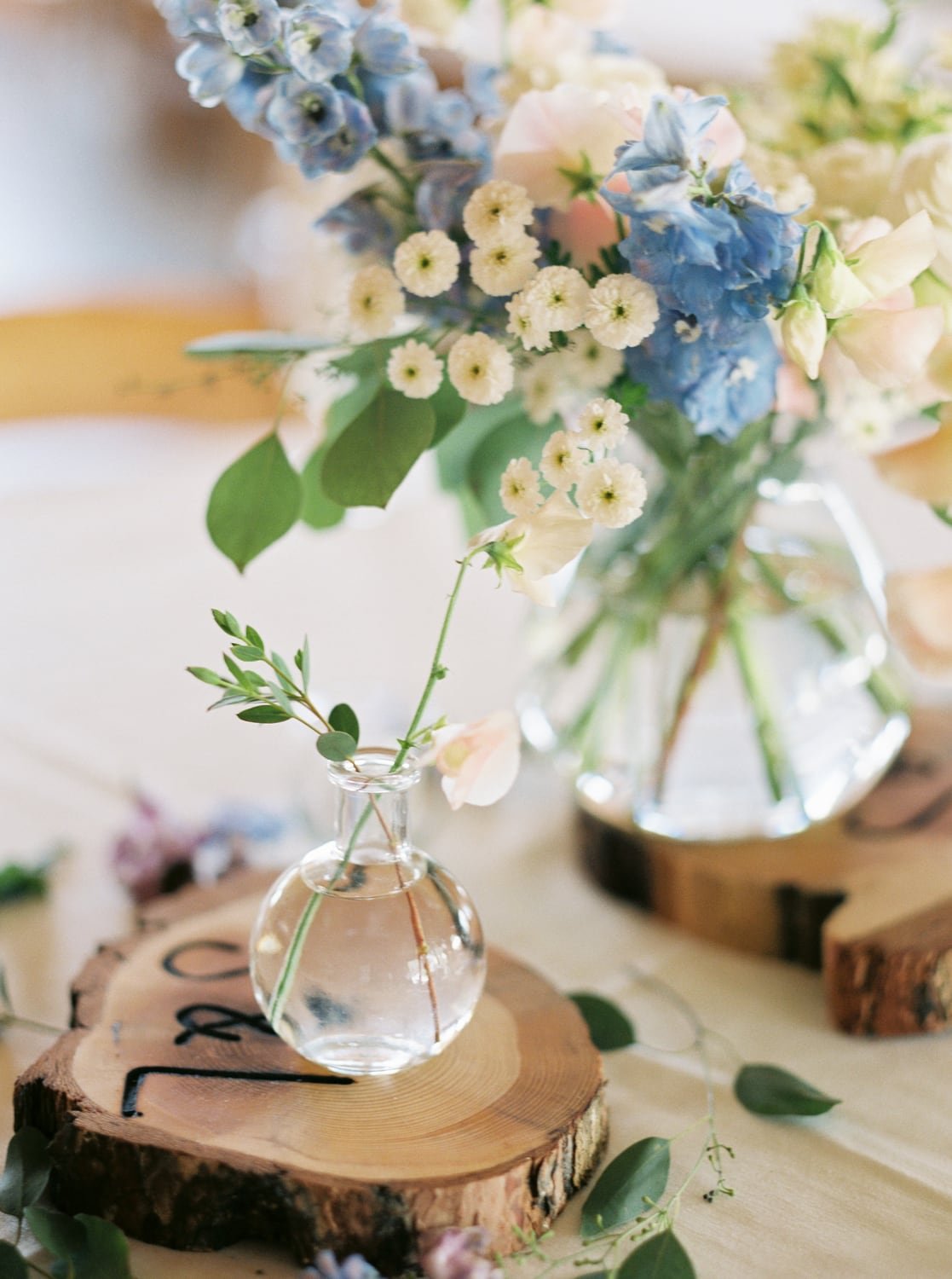 Montana wedding florist table design